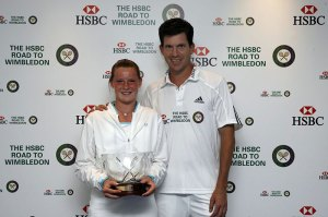 Emma Devine, winner of the 2008 HSBC Road to Wimbledon girls' singles with Tim Henman